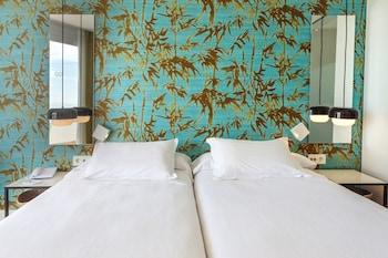 Twin Room, Balcony, Sea View