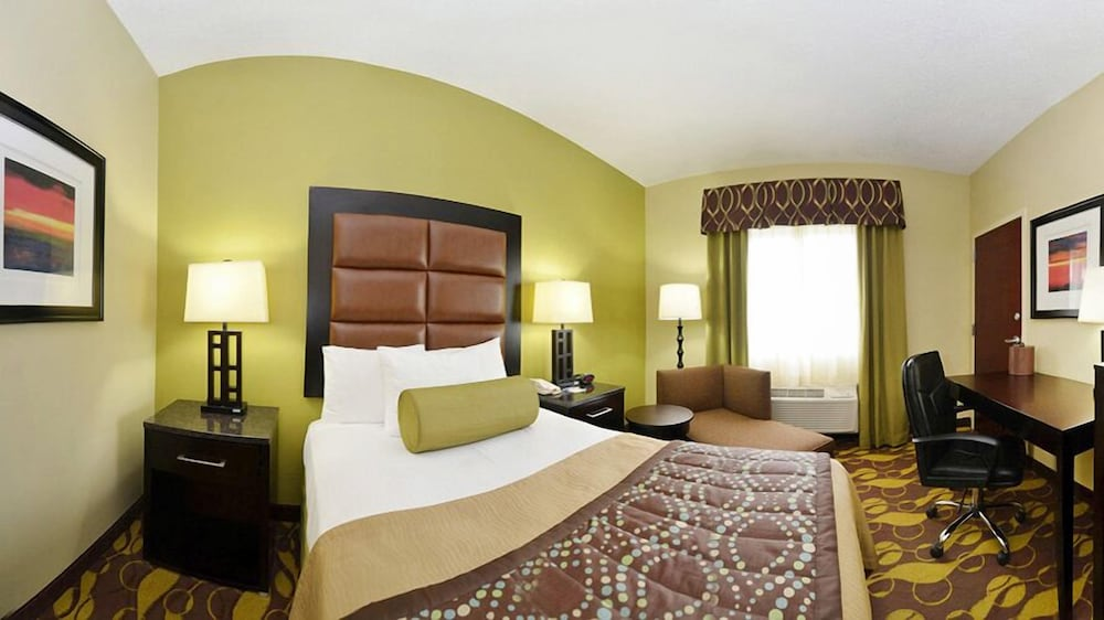 Suite, 1 King Bed, Non Smoking, Refrigerator & Microwave (Oversized Room)
