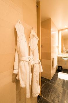 プレミア ルーム キングベッド 1 台 シティビュー|52㎡|フォーシーズンズホテル丸の内 東京