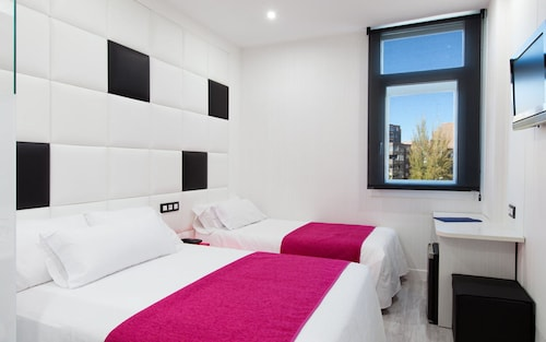 __{offers.Best_flights}__ Hotel Avenida de España