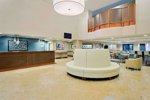 Wingate by Wyndham Arlington Heights, Cook