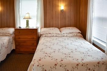 Basic Duplex, 2 Double Beds