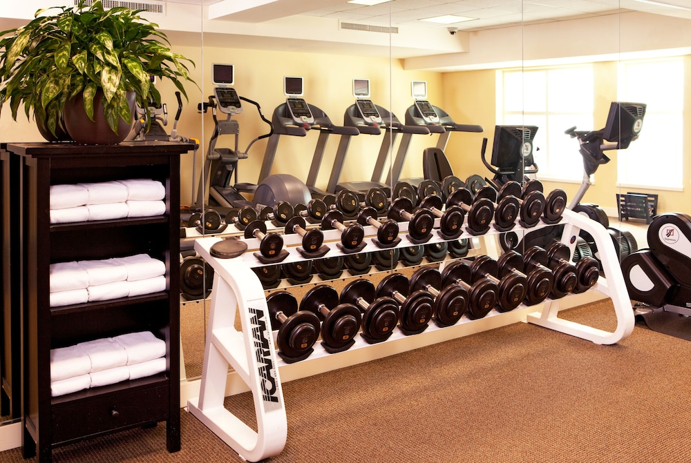Health and Fitness : Fitness Facility 27 of 102
