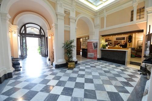 . Royal Victoria Hotel