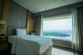 Deluxe Room, 2 Twin Beds, Non Smoking, Lake View