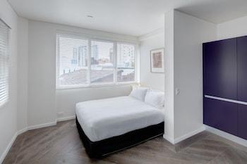 Executive Apartment, City View