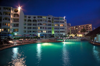 Hotel - Aquamarina Beach Resort