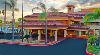 Mulberry Life Inn & Suites Moreno Valley (Lake Perris)