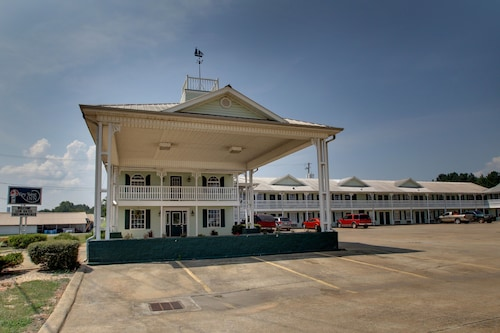 . Key West Inn - Childersburg