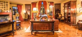 Lobby Lounge at Hotel Los Gatos - A Greystone Hotel in Los Gatos