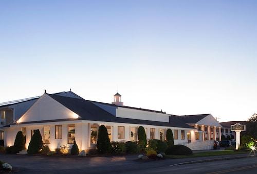 . Bayside Resort Hotel