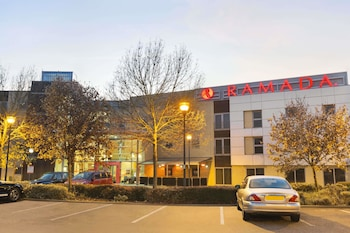 Hotel - Ramada by Wyndham London North M1