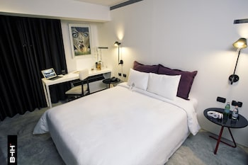 Room (Urban)