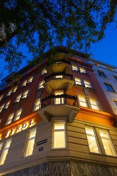 ホテル ダス チロル