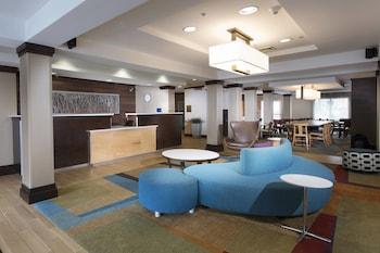Lobby at Fairfield Inn & Suites Charleston North/University Area in North Charleston
