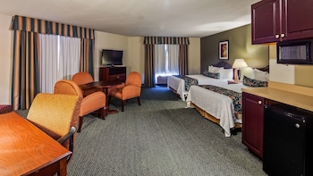 Suite, 2 Queen Beds, Non Smoking, Refrigerator & Microwave
