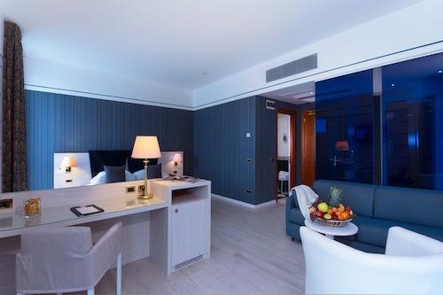 . CDH Hotel Parma & Congressi