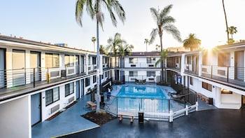 日落西飯店貝斯特韋斯特修爾住宿精選飯店 Sunset West Hotel, SureStay Collection by Best Western