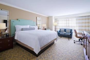 Room, 1 King Bed (Lakefront)