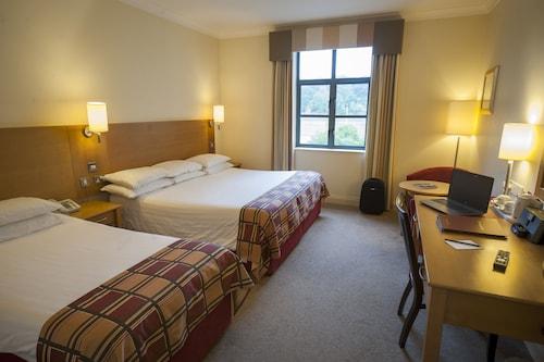. Armagh City Hotel