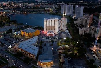 Hotel - Ramada Plaza Resort & Suites by Wyndham Orlando Intl Drive