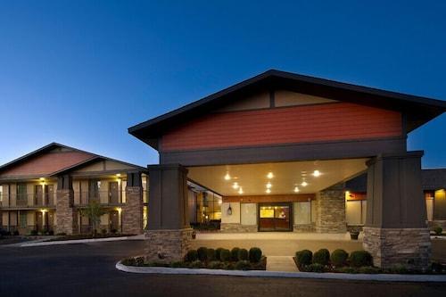 . Northwest Inn