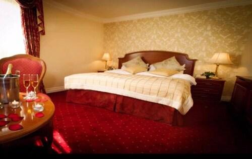 . Ardboyne Hotel