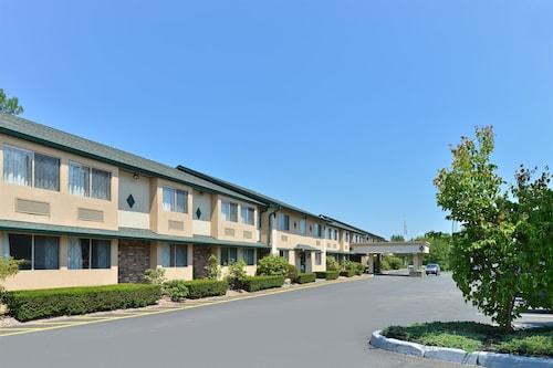 . Americas Best Value Inn New Paltz