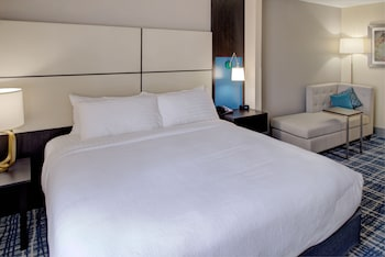 Room, 1 King Bed, Accessible, Non Smoking (Hearing, Transfer Shower)