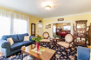 Hotel - Shady Oaks Country Inn