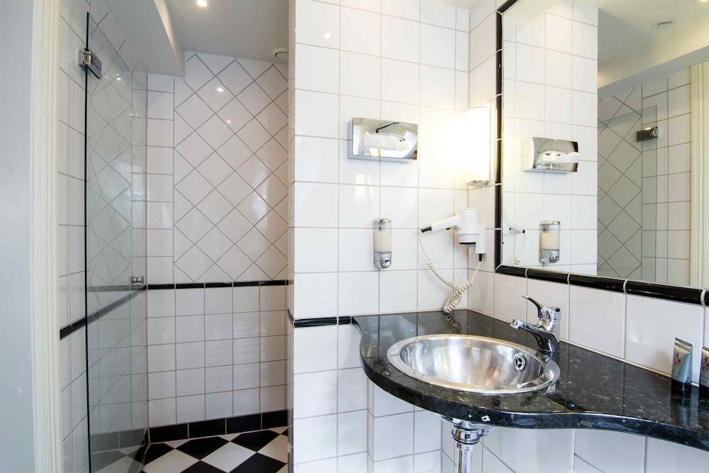메이페어 호텔 투넬른(Mayfair Hotel Tunneln) Hotel Image 26 - Guestroom
