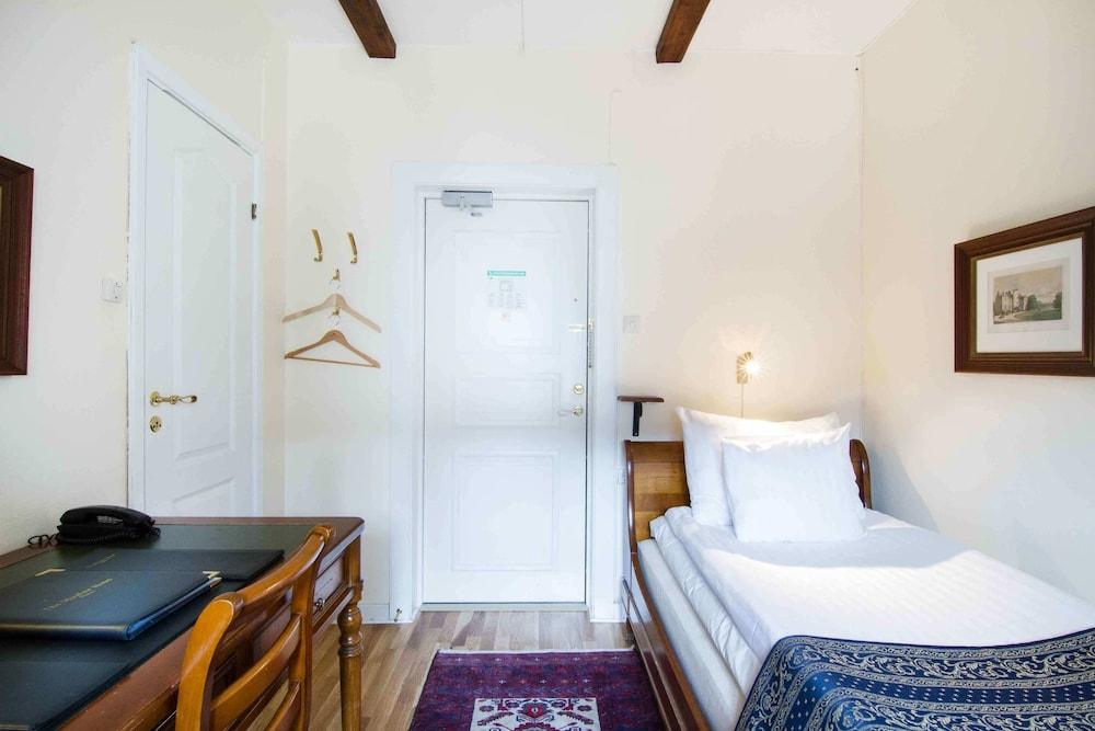 메이페어 호텔 투넬른(Mayfair Hotel Tunneln) Hotel Image 7 - Guestroom