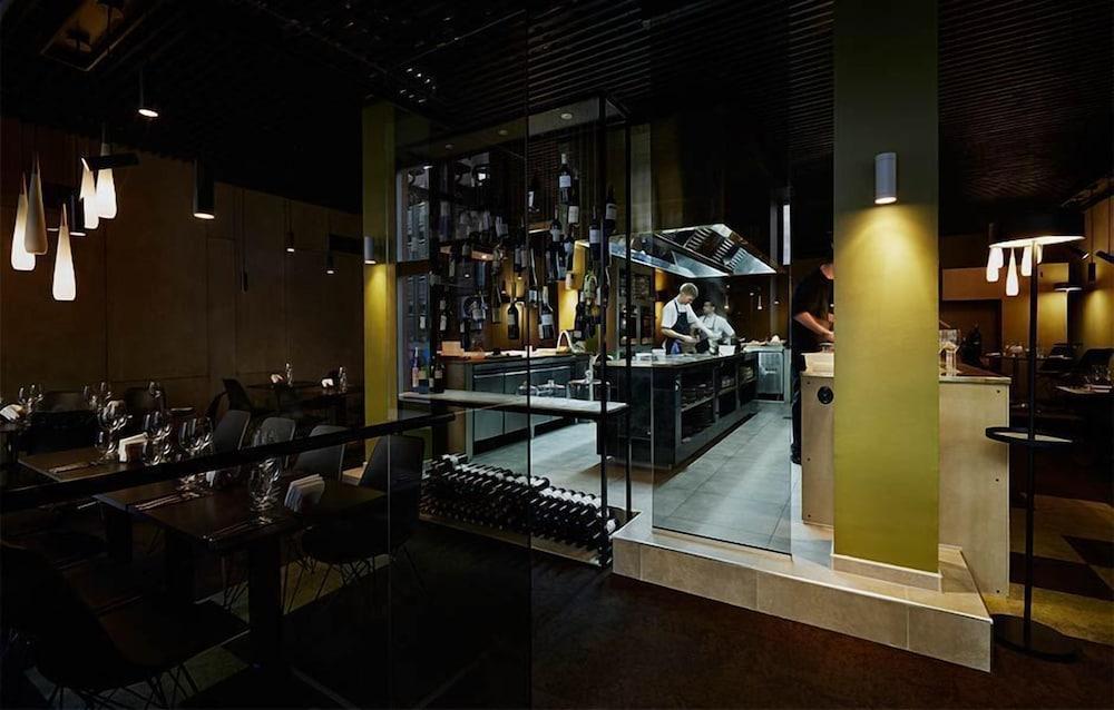 메이페어 호텔 투넬른(Mayfair Hotel Tunneln) Hotel Image 47 - Hotel Bar