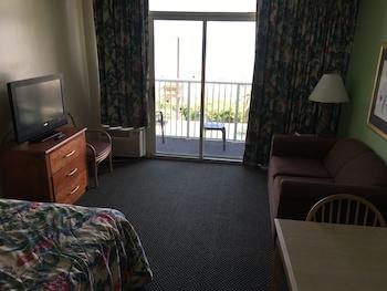 Guestroom at Sea Dip in Myrtle Beach