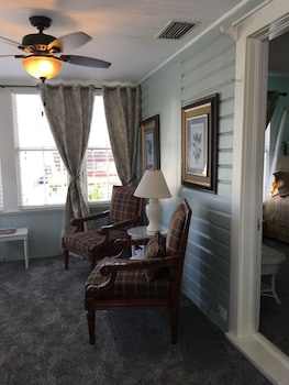 Suite, 1 King Bed, City View (Coquina Suite)