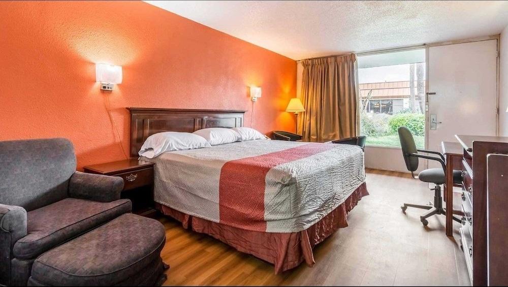 모텔 6 플로렌스, 사우스캐롤라이나(Motel 6 Florence, SC) Hotel Image 19 - Guestroom