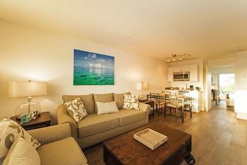 Hotel - Skipjack Resort Suites & Marina
