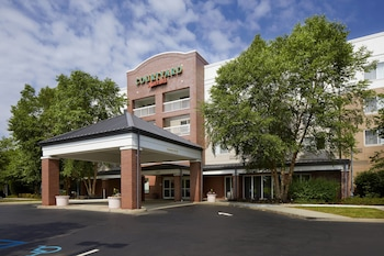 Hotel - Courtyard by Marriott Edison Woodbridge