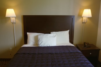 1 Queen Bed with Kitchenette Non-Smoking