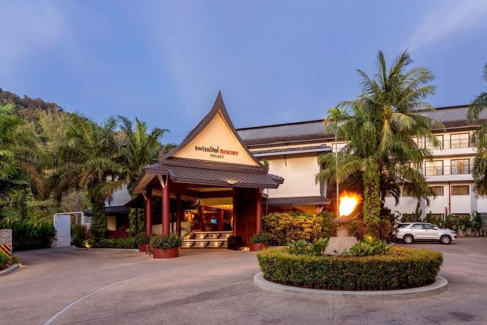 https://i.travelapi.com/hotels/1000000/900000/899400/899372/23d633e2_z.jpg
