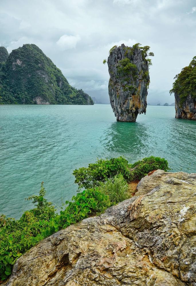 https://i.travelapi.com/hotels/1000000/900000/899400/899372/8fcf45e1_z.jpg