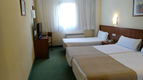 __{offers.Best_flights}__ Hotel HCC Ciutat De Berga