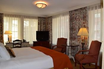 Superior King Corner Room