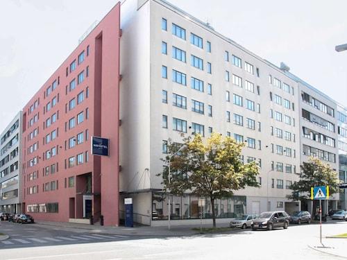 . Novotel Suites Wien City