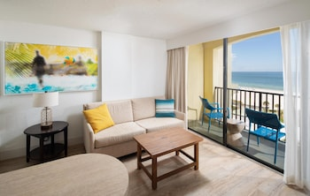 Suite, 2 Queen Beds, Oceanfront