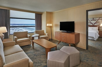 Deluxe Suite, 1 Bedroom (SW-M)