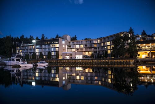 . Oceanfront Suites at Cowichan Bay