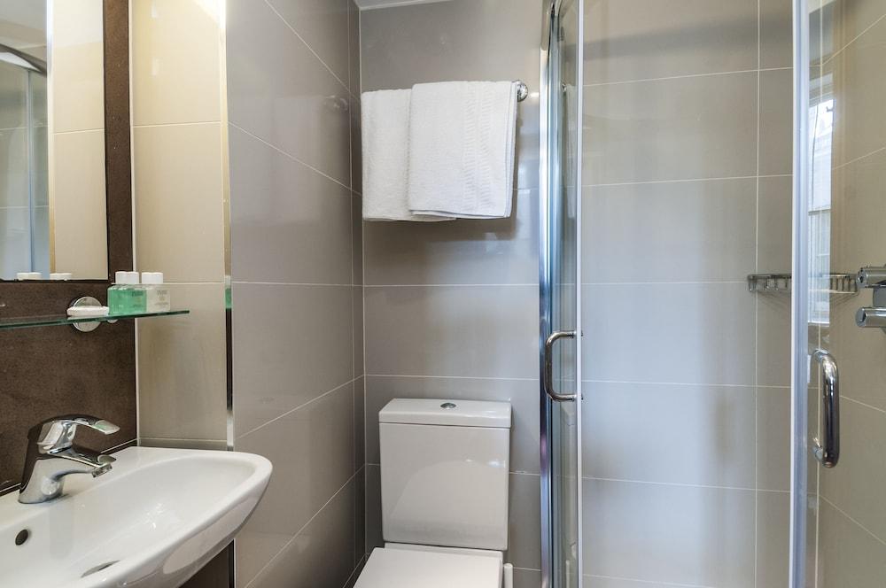 로즈 파크 호텔(Rose Park Hotel) Hotel Image 13 - Bathroom