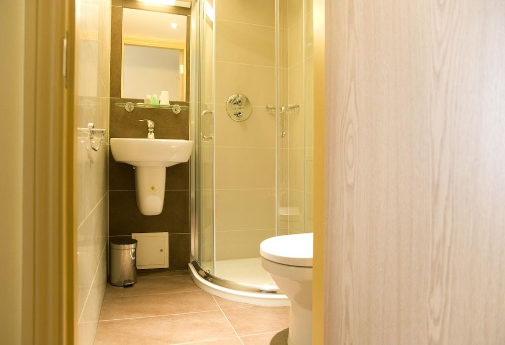 로즈 파크 호텔(Rose Park Hotel) Hotel Image 21 - Bathroom