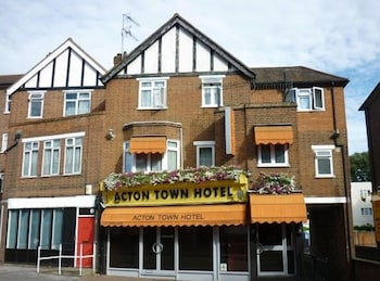 Hotel - Acton Town Hotel
